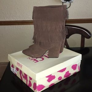 Suede fringed boots size 8 new